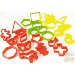 FACKELMANN 25 TAGLIABISCOTTI ABS SHAPES AND ASSORTED COLOURS